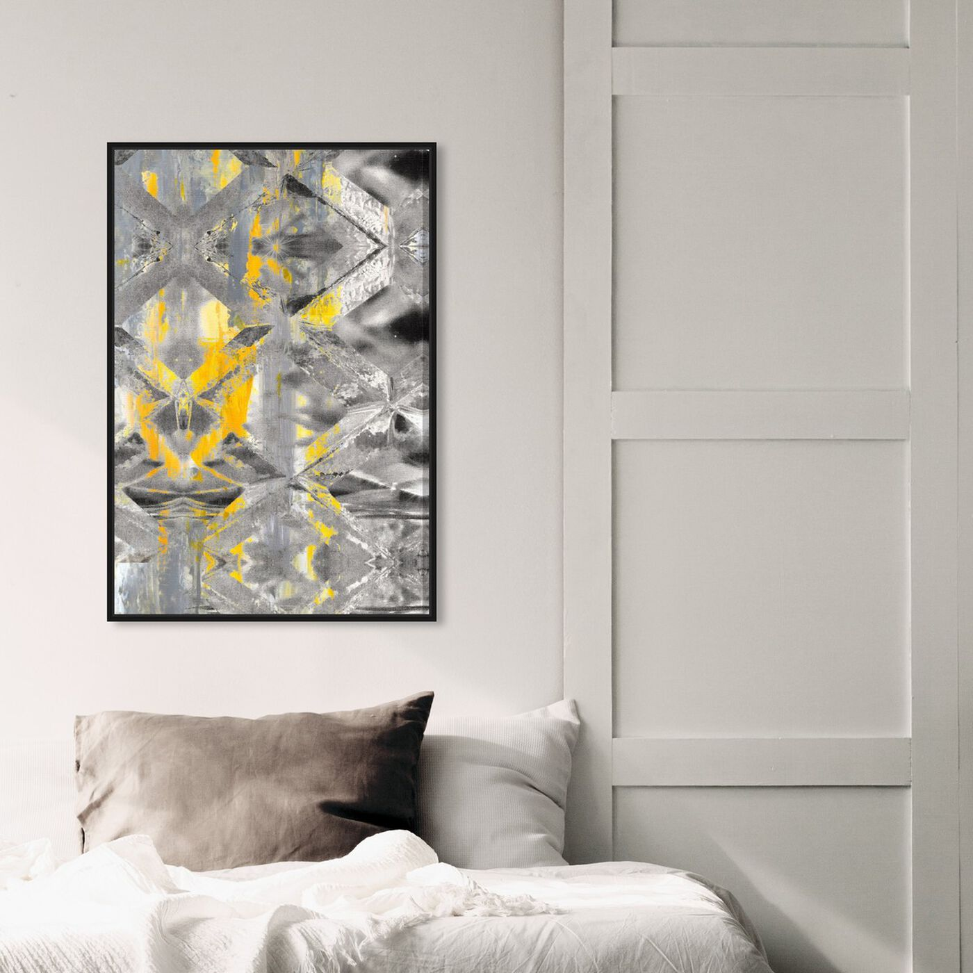 Hanging view of Gris Roca featuring abstract and crystals art.