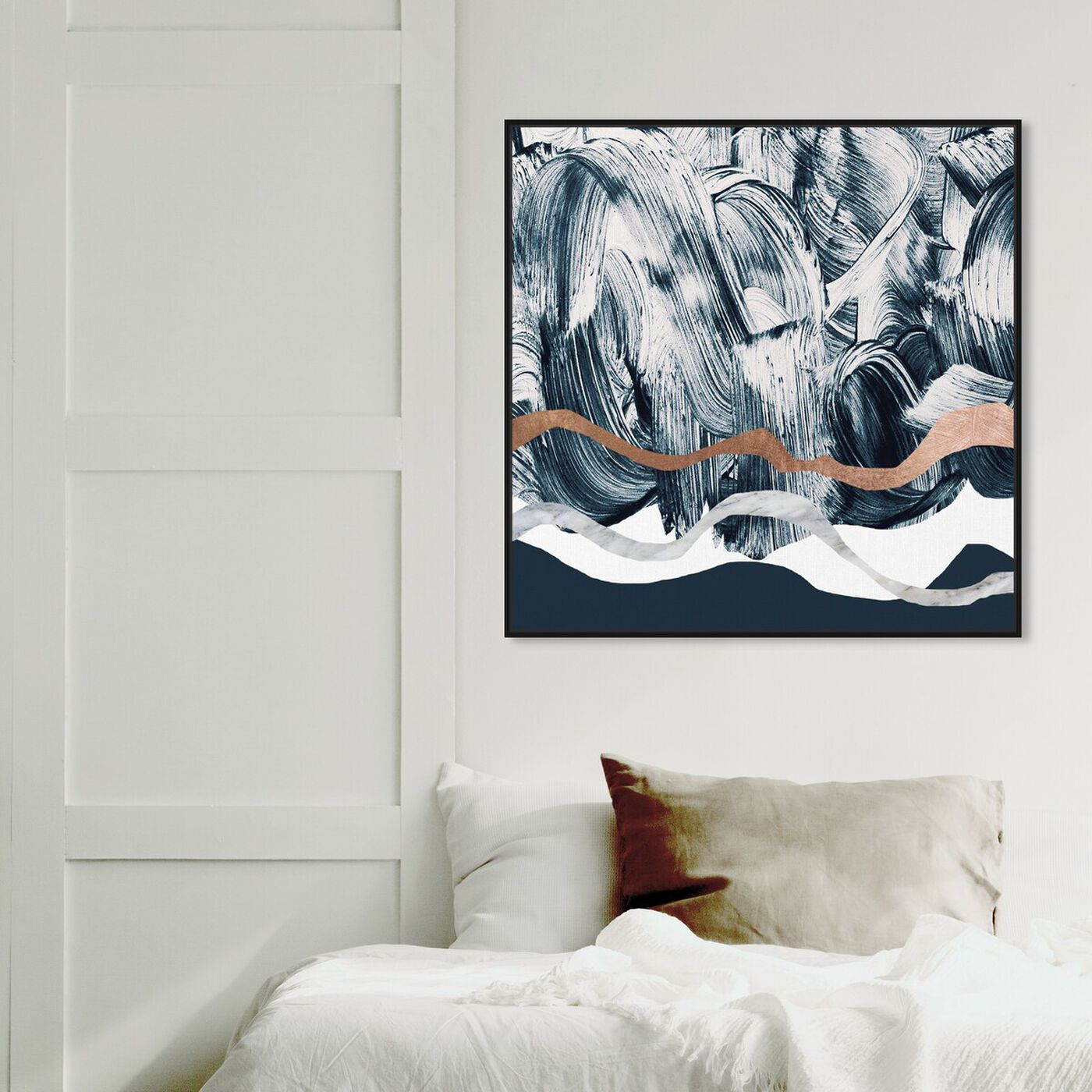Hanging view of Bath in Copper Mountain featuring abstract and paint art.