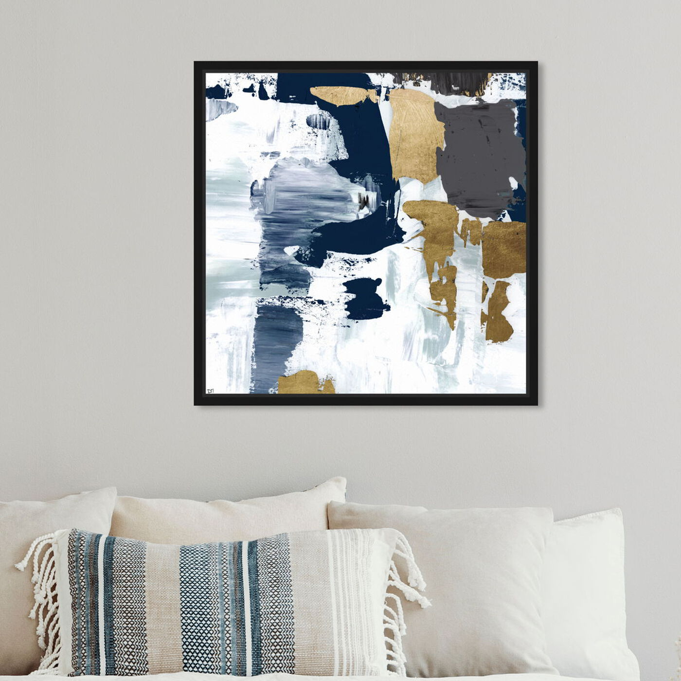Hanging view of Gris Amor Dorado featuring abstract and paint art.