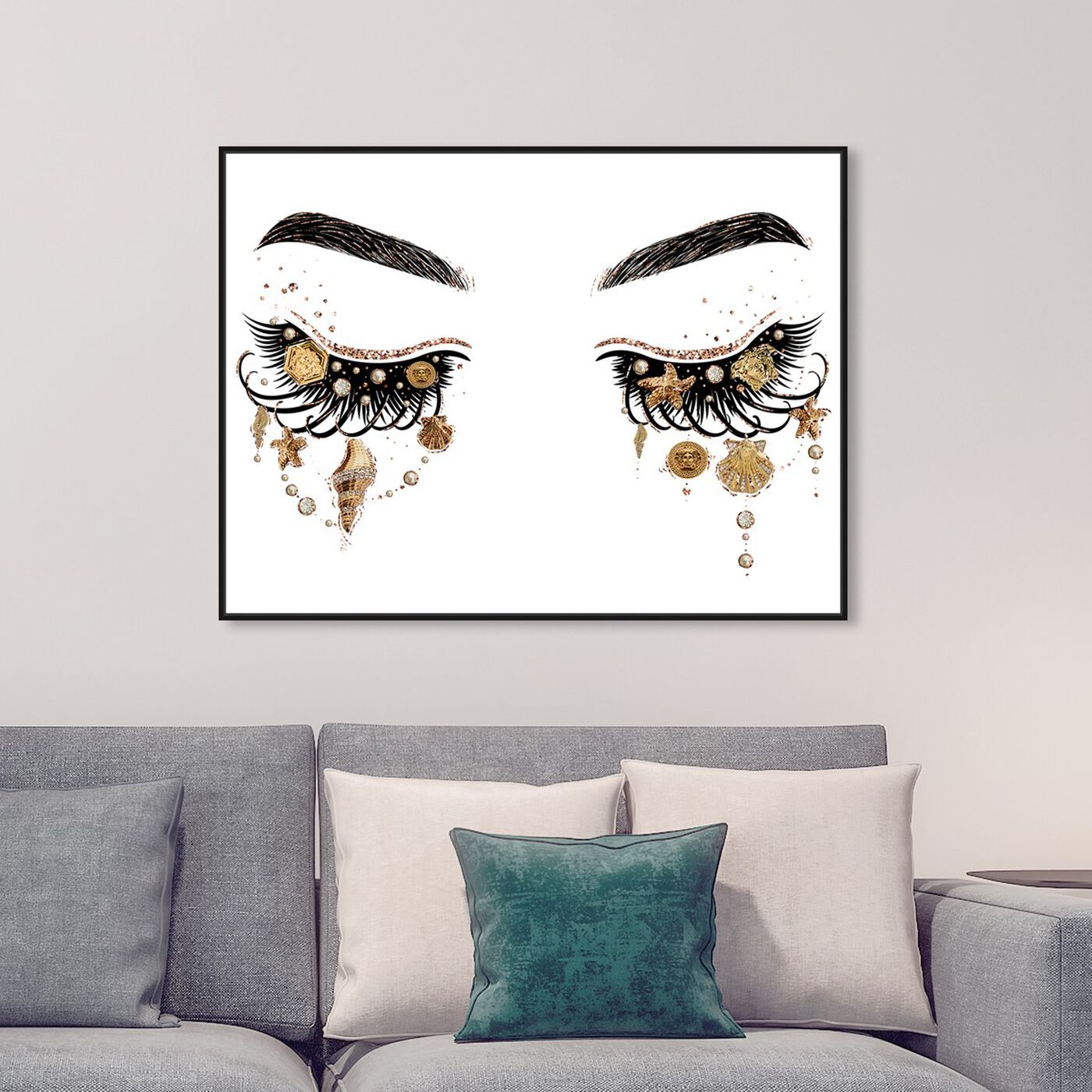 Hanging view of Gianni Eyes and Treasures featuring fashion and glam and makeup art.