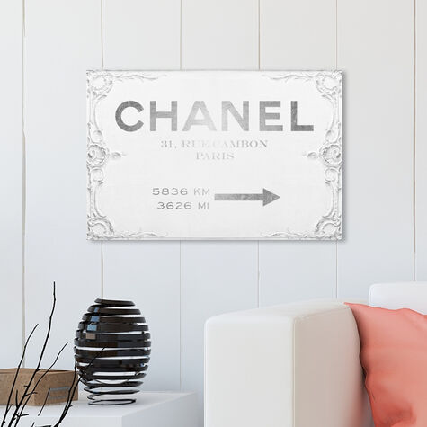 Couture Sign