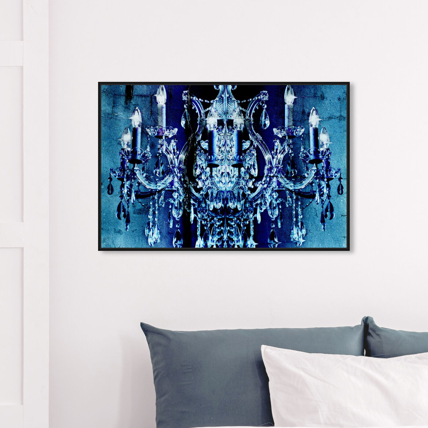 Hanging view of Neptuno featuring fashion and glam and chandeliers art.